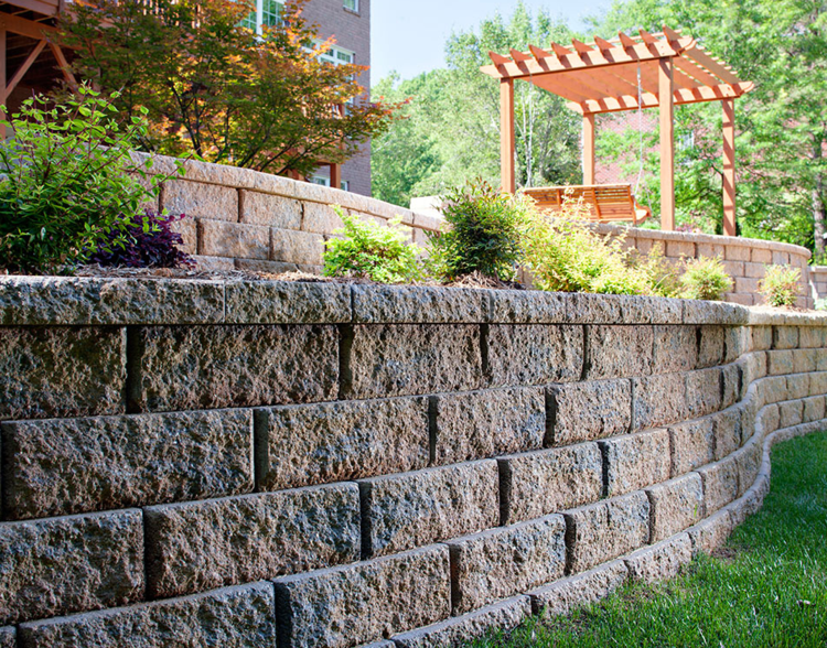 Retaining Wall Block Des Moines : Retaining walls not only prevent erosion but also create a beautiful